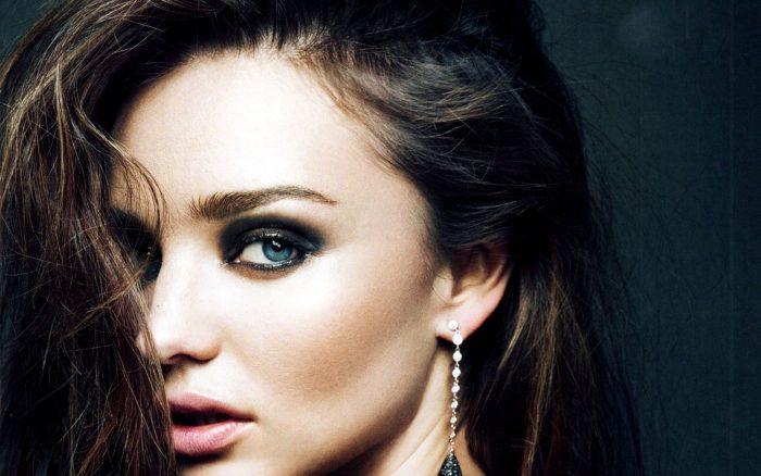 Lovely-Miranda-Kerr-Wallpaper